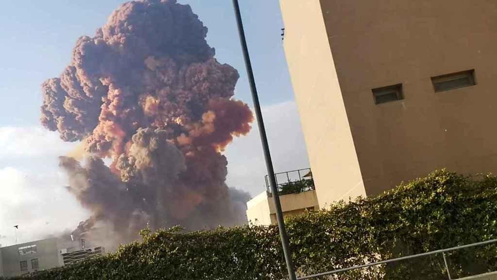Fuerte explosión en el centro de Beirut.