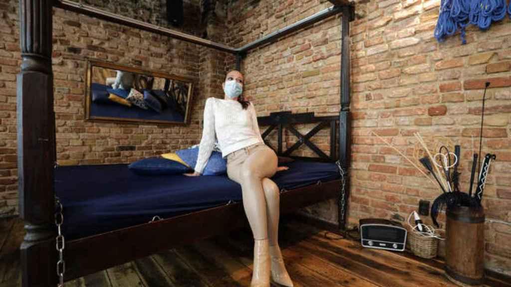 Lady Johanna, una trabajadora sexual de Berlín, preparada para la desescalada.