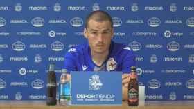 Álex Bergantiños durante una rueda de prensa del Deportivo de La Coruña
