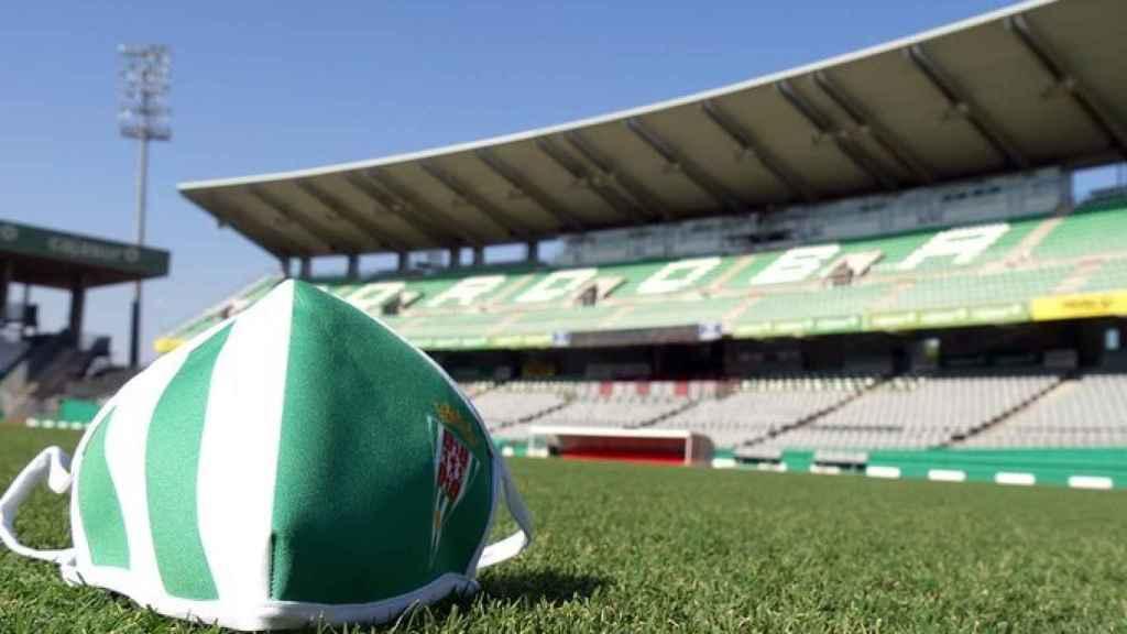La mascarilla del Córdoba CF en su estadio