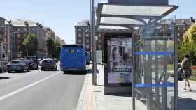 Una parada de autobuses urbanos.