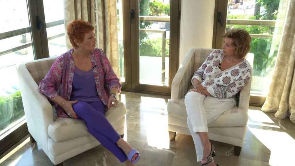 Teresa Campos junto a su hija Terelu en 'Enredados en la red'.
