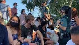La Guardia Civil interviene en un concierto de Iván Ferreiro y desaloja la playa