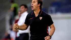 Julen Lopetegui, dando órdenes durante el Sevilla - Roma de la Europa League