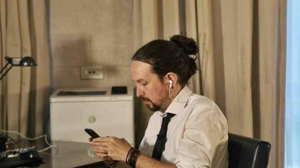Pablo Iglesias con su moño.