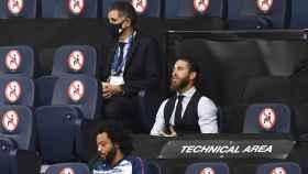 Sergio Ramos, en la grada del Etihad Stadium, animando a sus compañeros