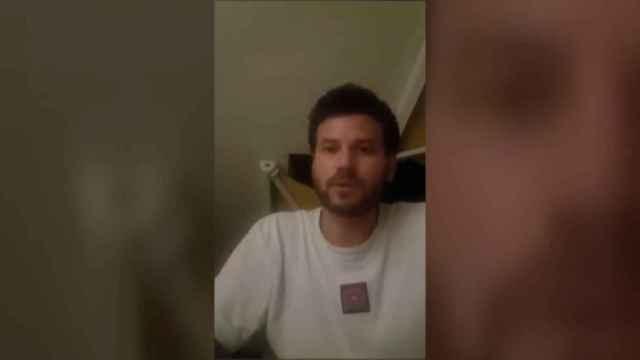 El cantante de Taburete explica en un vídeo su versión de lo ocurrido en el concierto