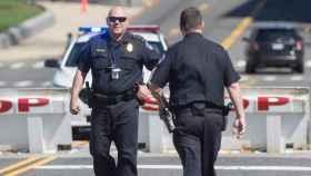 Dos policías de Estados Unidos.