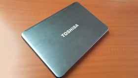 Ordenador portátil de Toshiba.