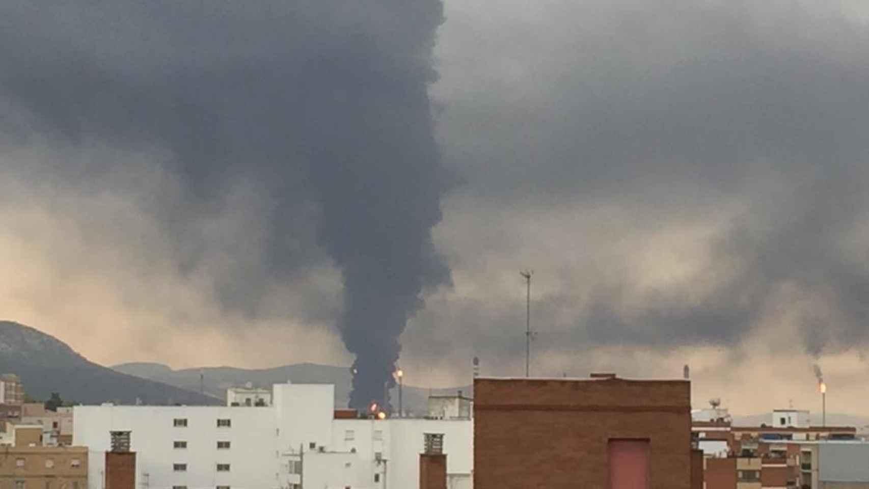 Explosión de un tanque de Repsol en su refinería de Puertollano