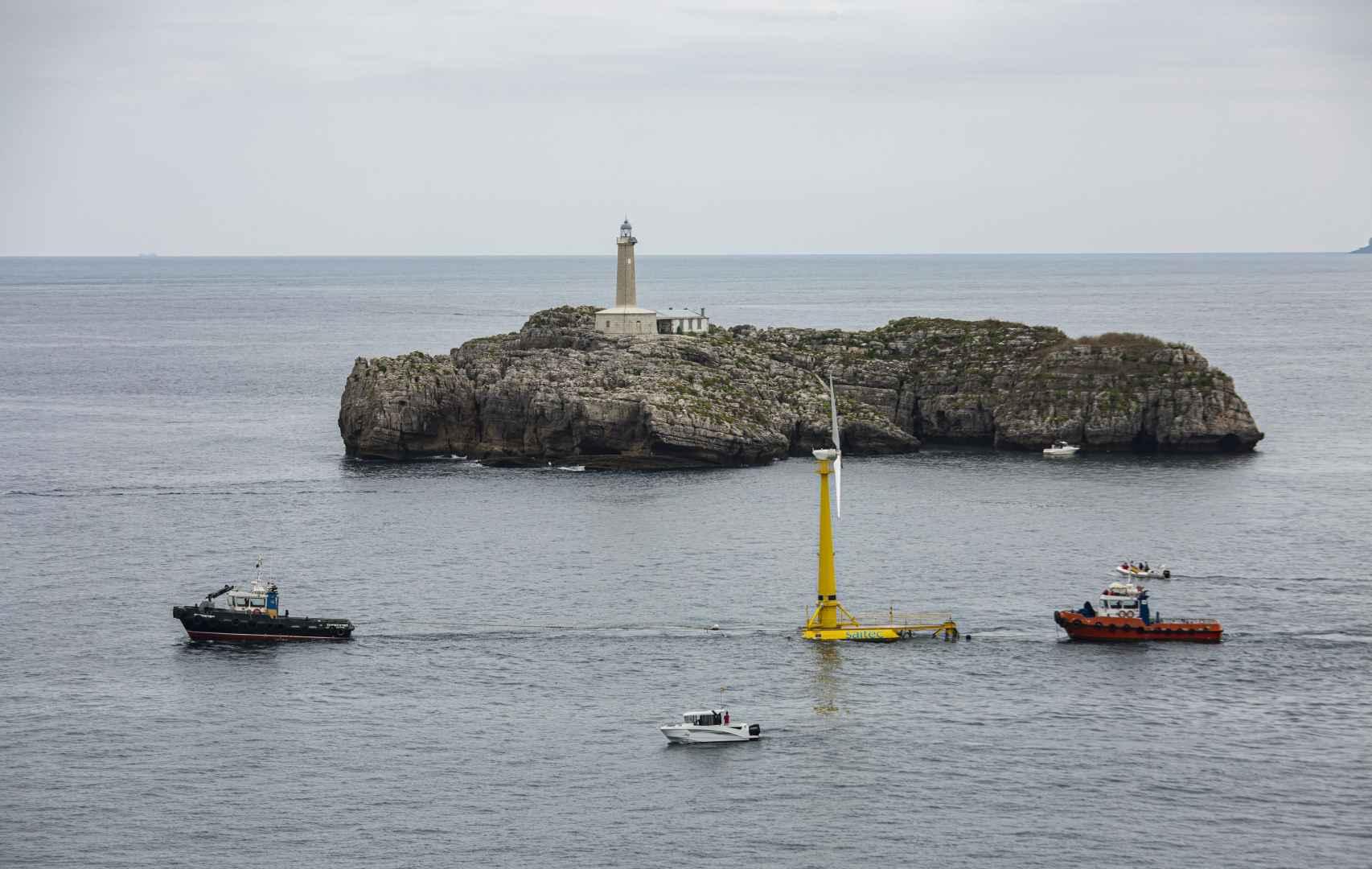 Puesta en marcha del aerogenerador marino flotante de Saitec en Santander3