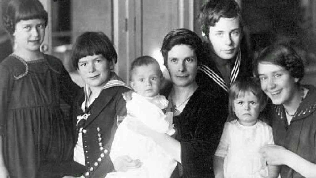 Katia Mann y sus seis hijos.