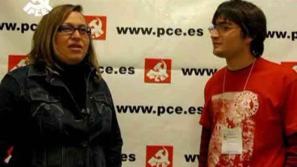 Rocío Val, a la izquierda, durante su etapa como dirigente del PCE.