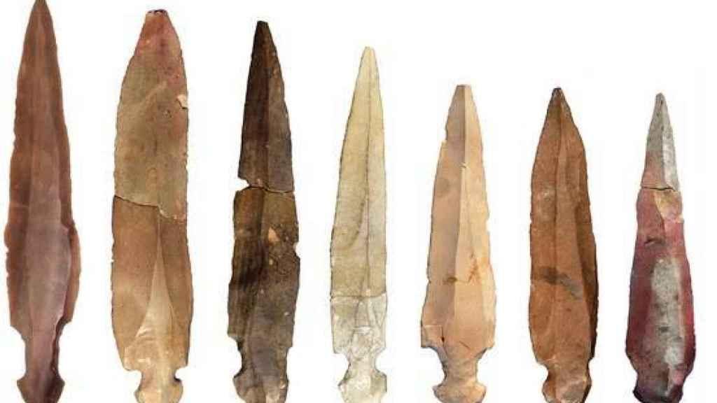 Los cuchillos hallados en la cueva neolítica