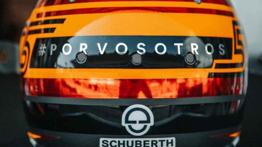 Casco de Carlos Sainz para el GP de España