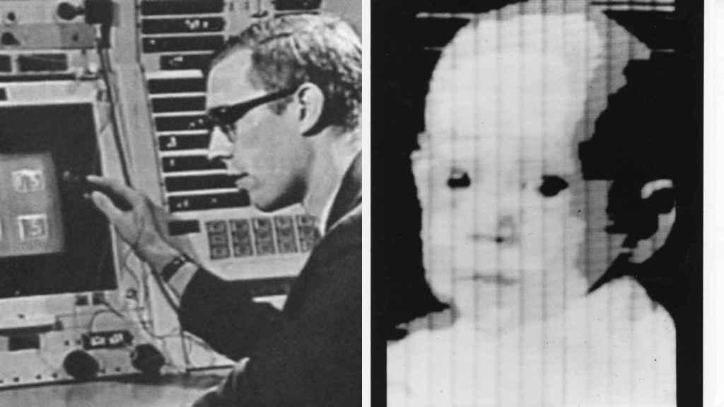 Russell A. Kirsch, creador del píxel, con la foto digital que le hizo famoso