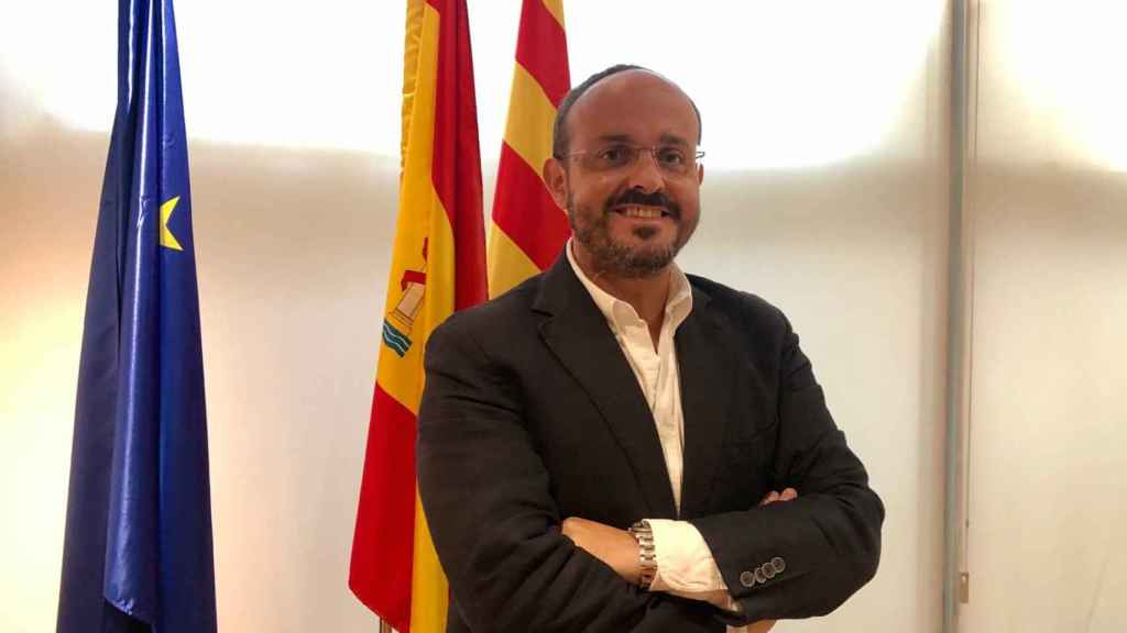 Alejandro Fernández, presidente del PP catalán, este jueves en la sede regional.