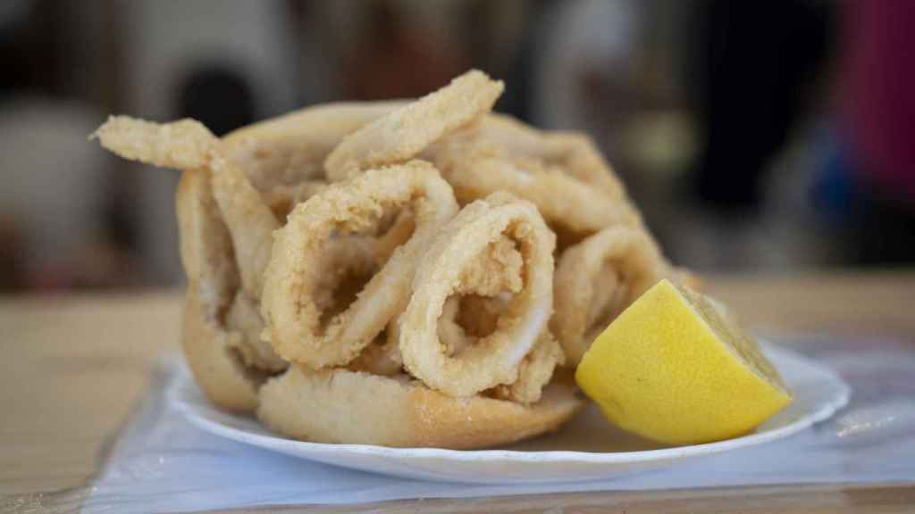 Bocadillo de calamares de Bar La Campana.