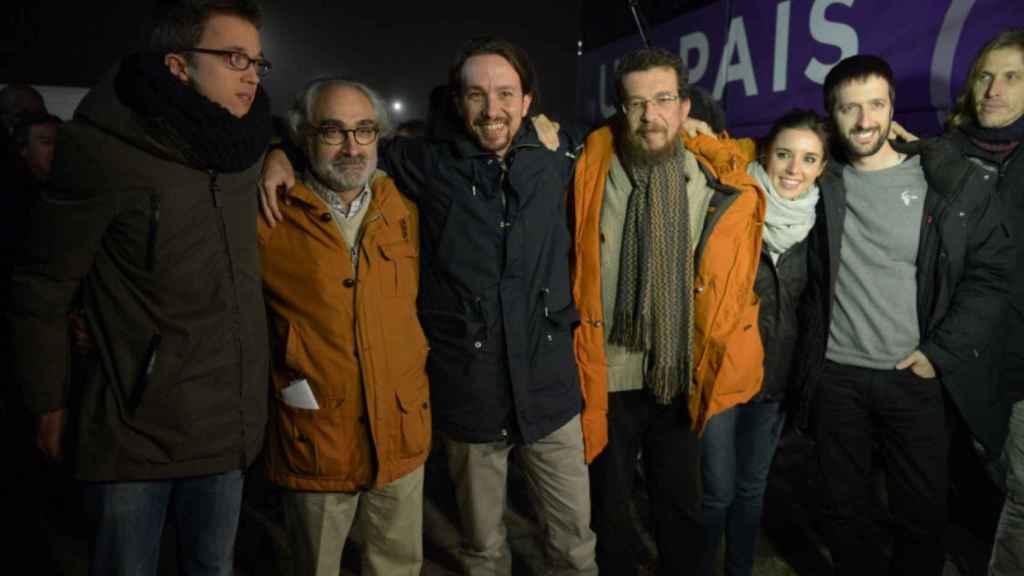 Íñigo Errejón, Pablo Iglesias, Irene Montero y Juanma del Olmo (en el extremo derecho), en 2015.