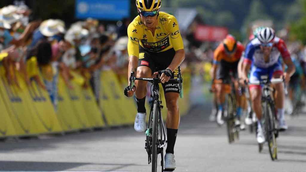 Roglic entra segundo en meta en la tercera etapa del Dauphiné
