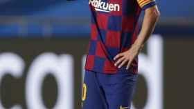 Leo Messi, preocupado durante el duelo entre el Barcelona y el Bayern