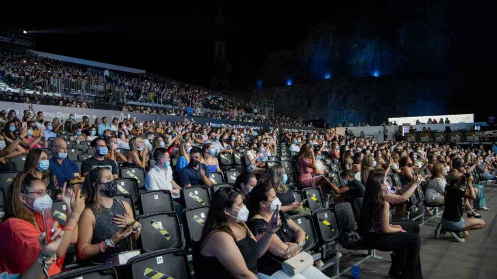 El público del Starlite Festival durante el concierto de Antonio José.
