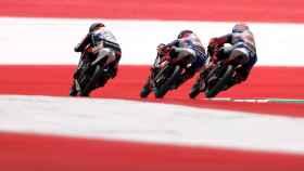 Pilotos de Moto3 durante el Gran Premio de Austria