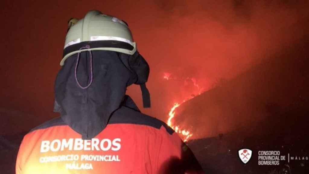Un bombero del consorcio provincial de Málaga.