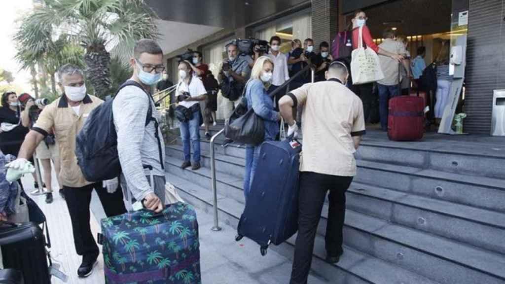 Turistas alemanes a su llegada a Baleares.