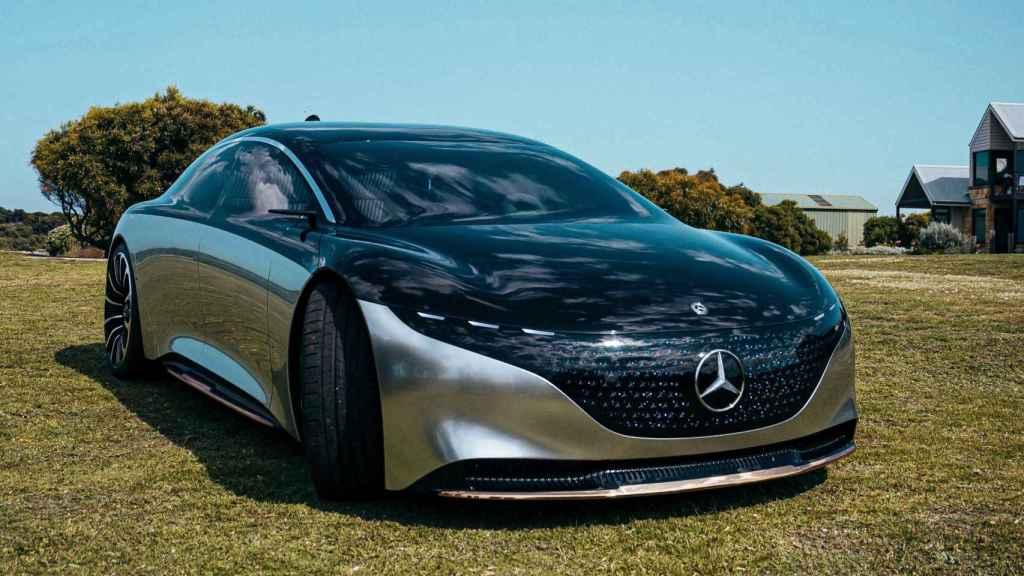 Mercedes continúa su carrera hacia la electrificación con este modelo.