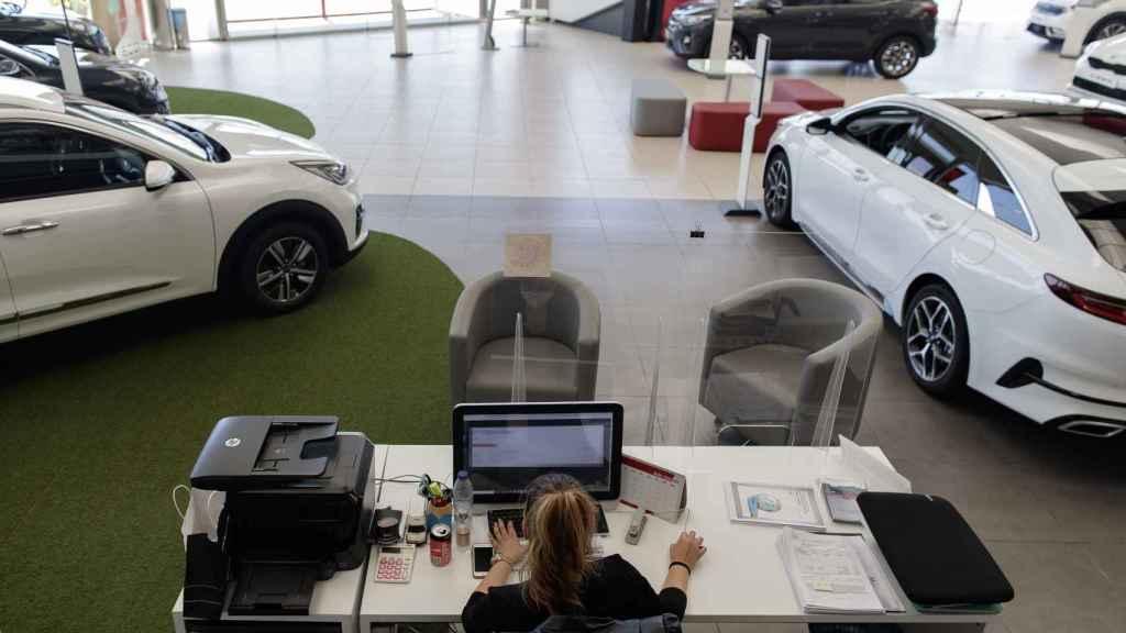 Imagen de un concesionario de coches.