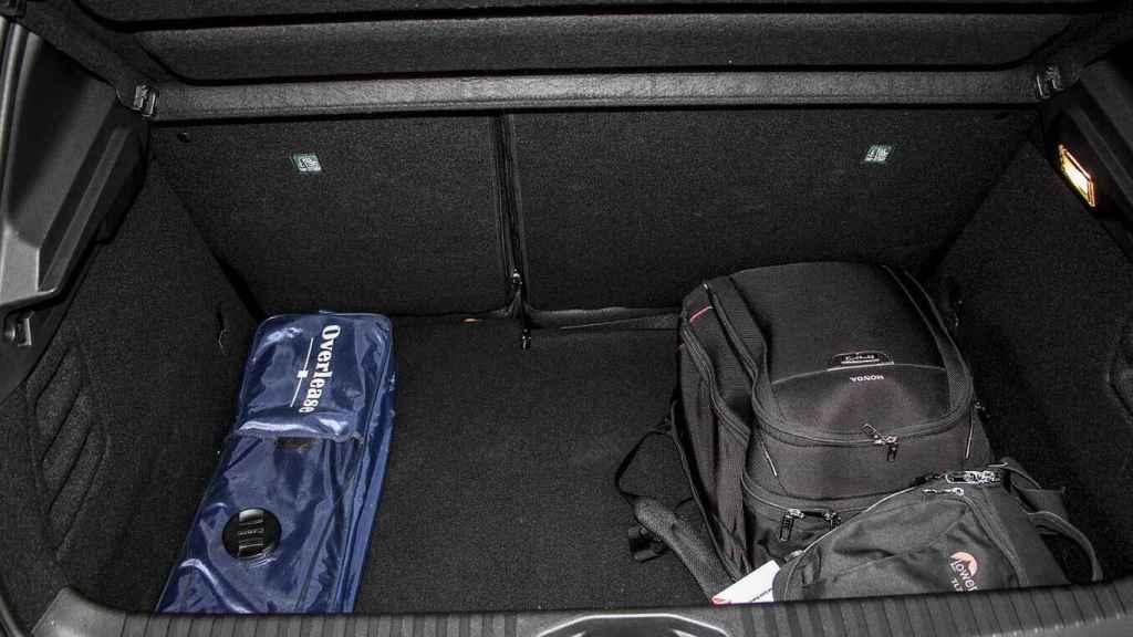Imagen del maletero del Renault Clio.