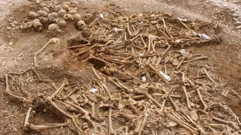 Los 51 cuerpos vikingos hallados en Weymouth.
