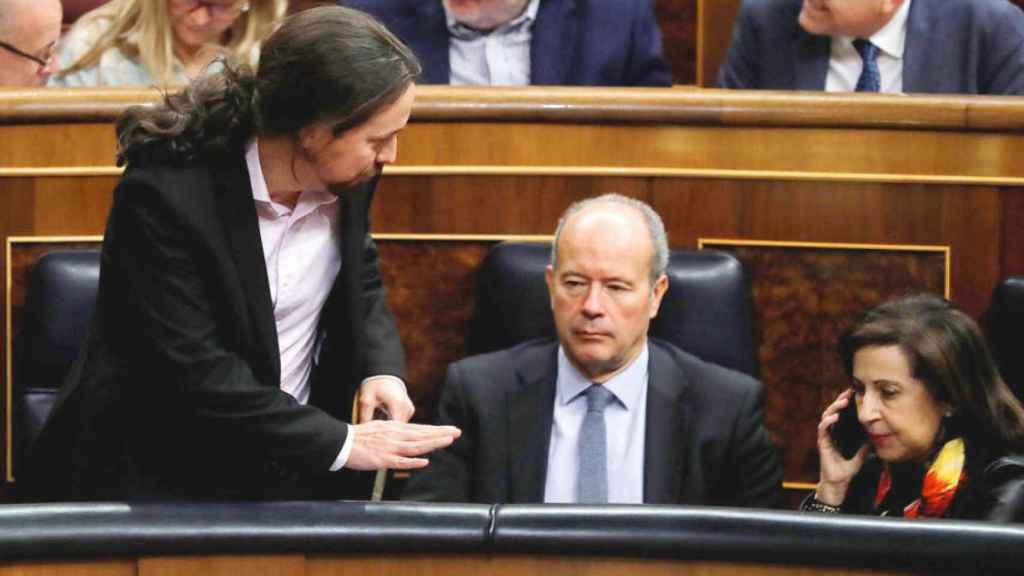 Pablo Iglesias, junto a Juan Carlos Campo y Margarita Robles el pasado 21 de febrero en el Congreso.