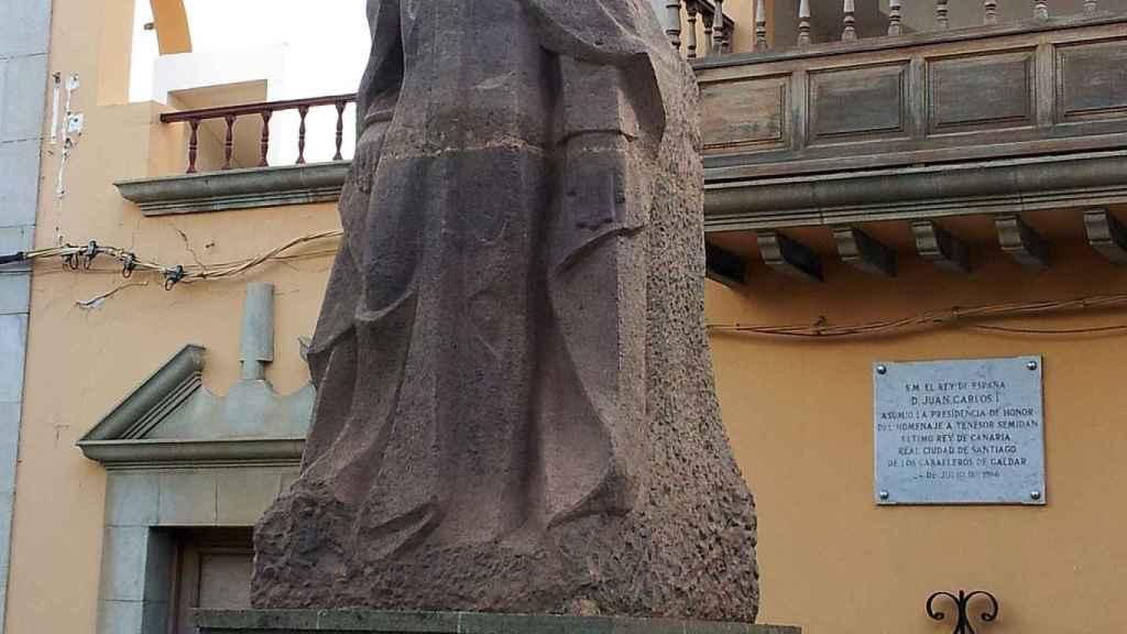 Estatua de Tenesor Semidán realizada por Juan Borges Linares y situada en la ciudad de Gáldar (Gran Canaria, islas Canarias).