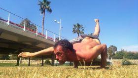 Uno de los artífices de la concentración en plena sesión de yoga.