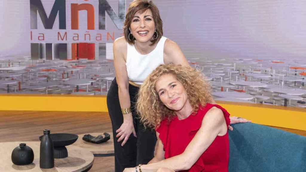 Cristina Fernández junto a Mamen Asecio en el plató de 'La Mañana'.