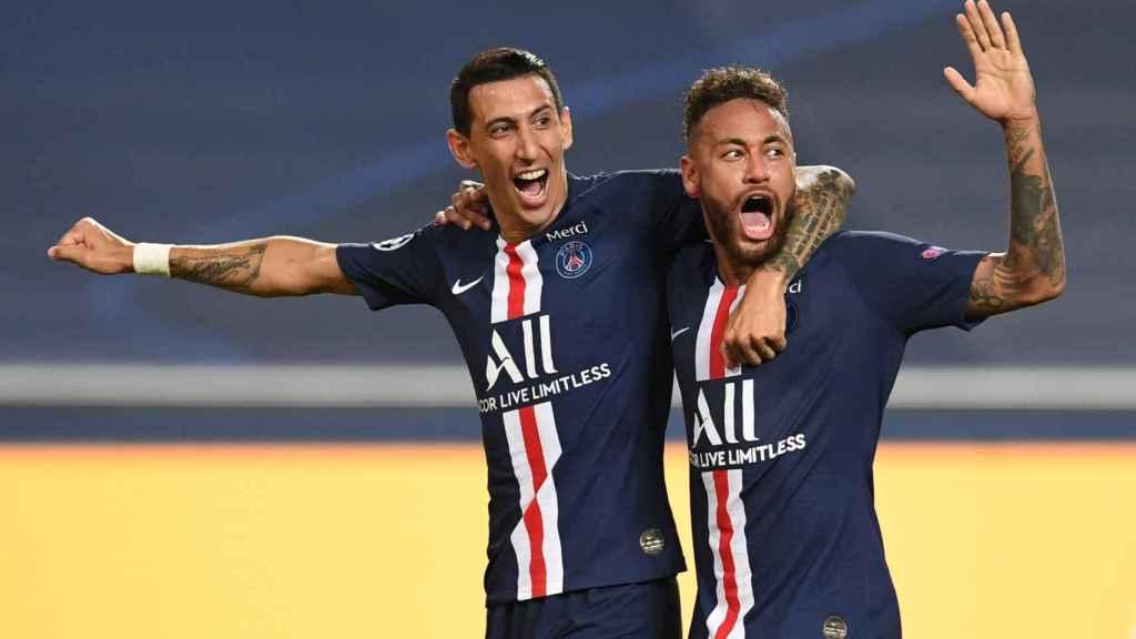 Di María y Neymar celebran el segundo gol del PSG al Leipzig
