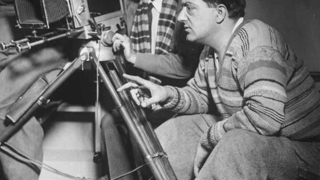 Fritz Lang en el rodaje de La mujer en la Luna, 1929 .