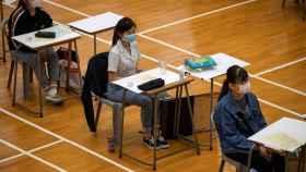 Varios alumnos en una escuela de Hong Kong.