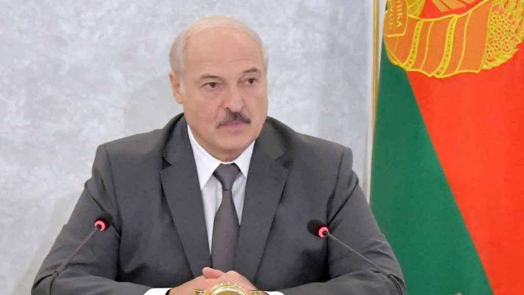 El presidente de Bielorrusia, Alexndr Lukashenko, durante la reunión de su Consejo de Seguridad en Minsk.
