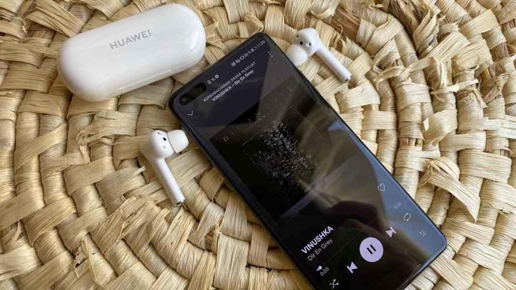 Huawei FreeBuds 3i con el Huawei P40 Pro