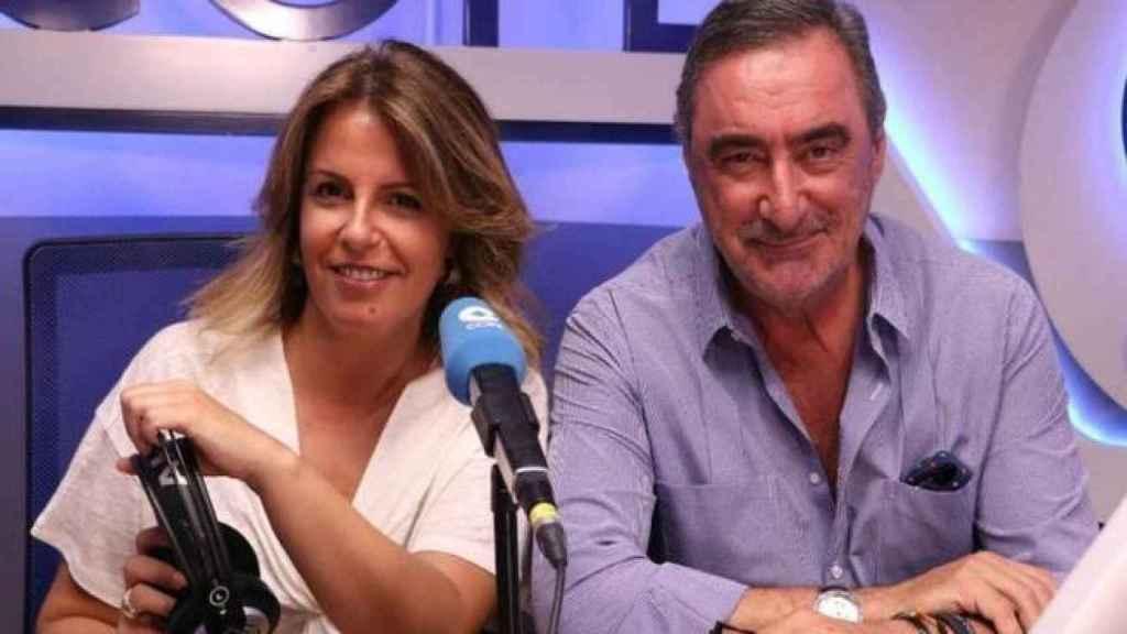 Carlos Herrera junto con Pilar García Muñiz , quien toma su relevo a primera hora de la mañana.