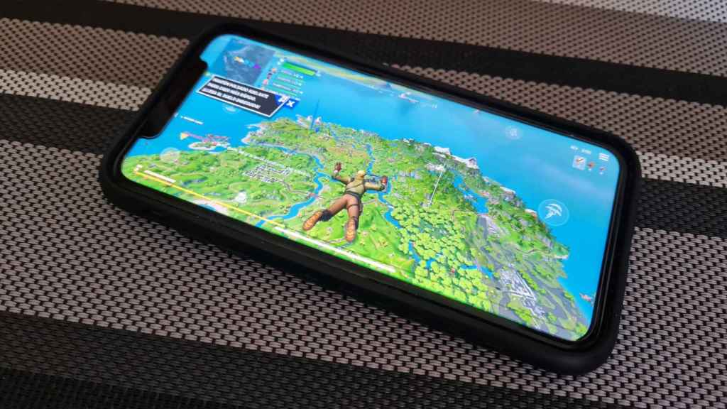 Fortnite ejecutándose en un iPhone.