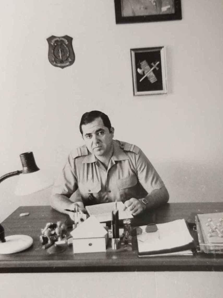 Una imagen de juventud de Blas Molina, guardia civil ahora retirado.
