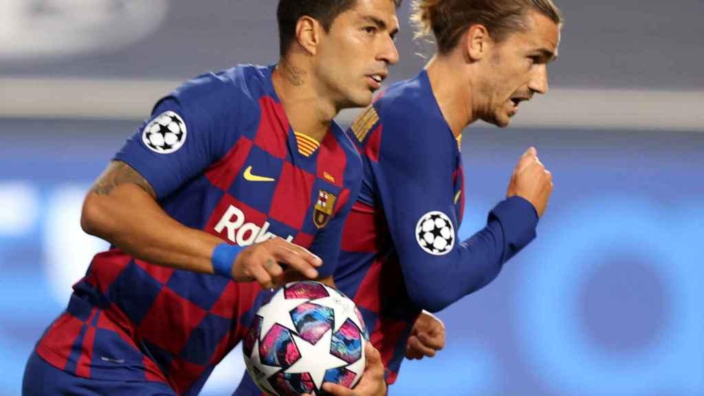 Luis Suárez celebra su gol con el FC Barcelona