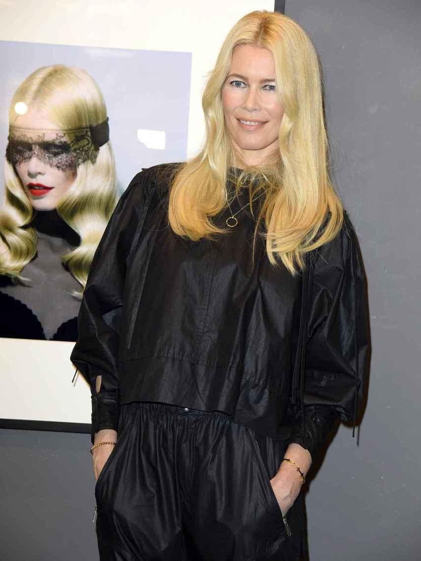 Claudia Schiffer alcanza la mitad de siglo con una figura envidiable.