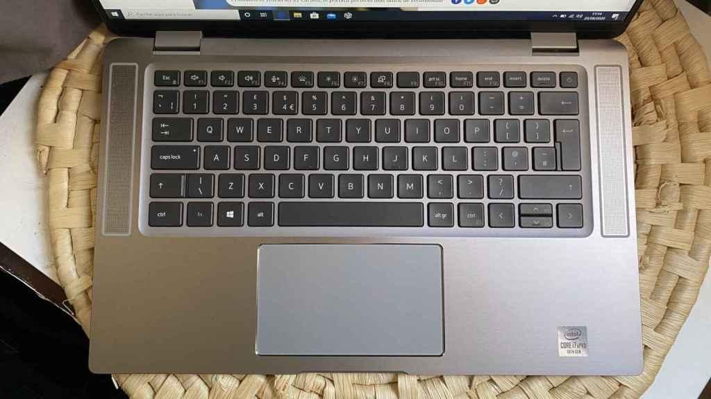 El teclado y el trackpad del Dell Latitude 9510 son buenos para trabajar