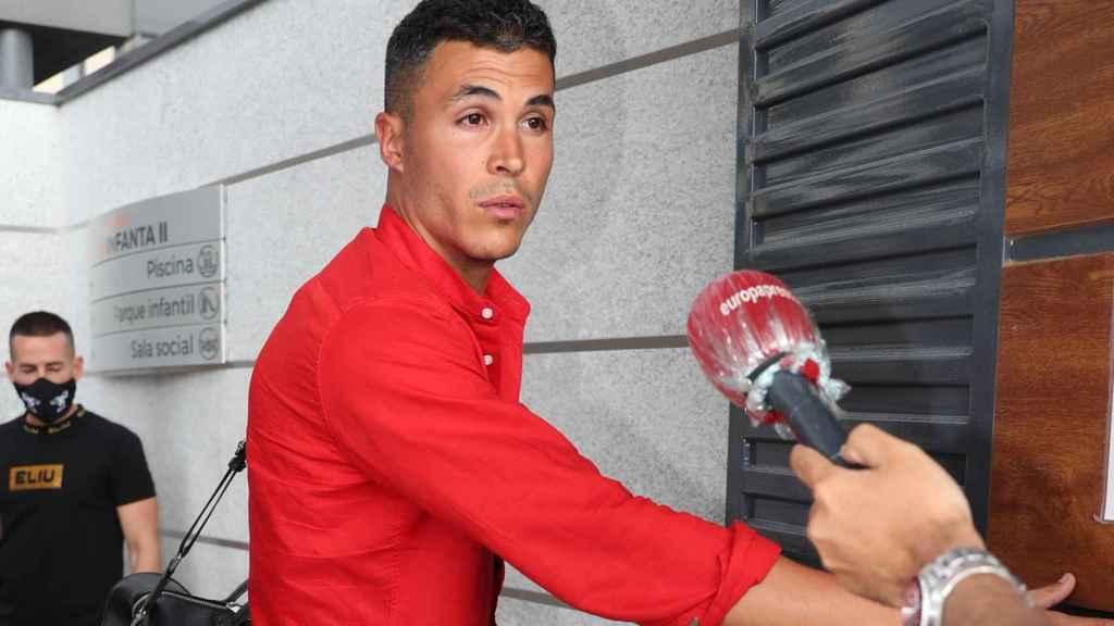 Kiko Jiménez dice conocer la identidad del supuesto futbolista que escribe a Sofía.