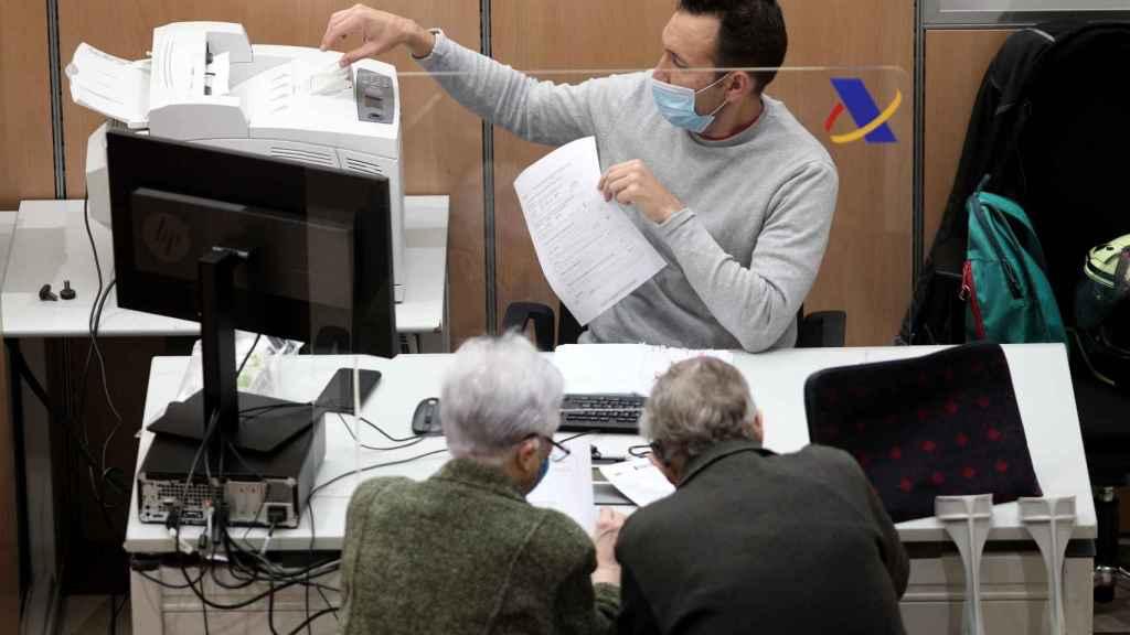 La digitalización de la Agencia Tributaria permite a los ciudadanos gestionar de manera más ágil  sus trámites.